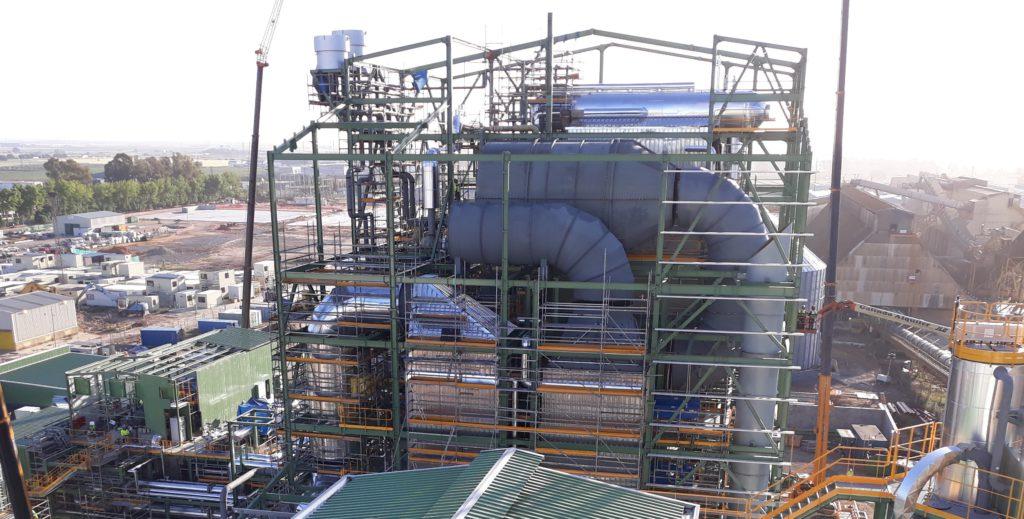 La planta de 46 MW con biomasa de Ence en Huelva inicia la última fase de pruebas