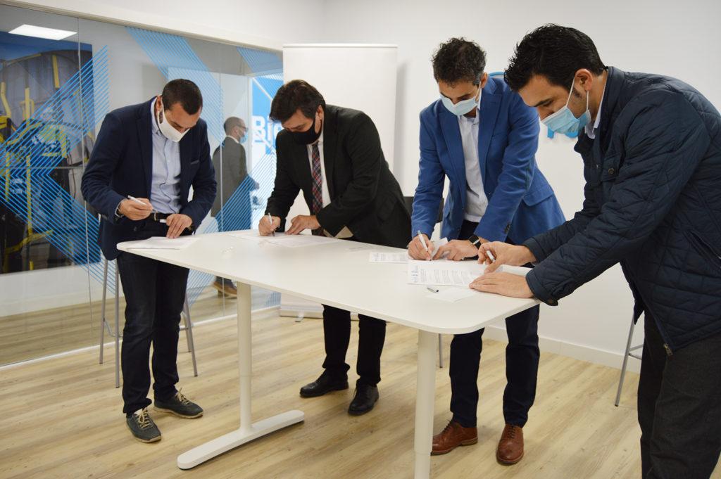 Ence promueve un acuerdo por la mejora de la empleabilidad industrial con la empresa HSO y los ayuntamientos de Huelva y San Juan del Puerto